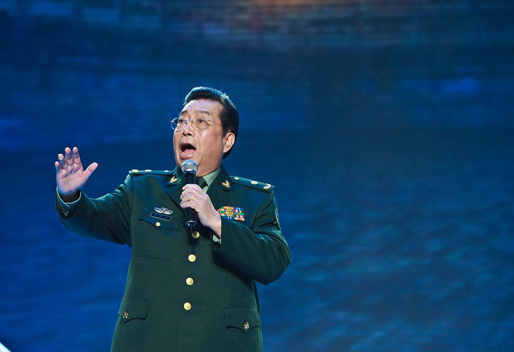 著名歌唱家李双江为十五年盛典献歌图片